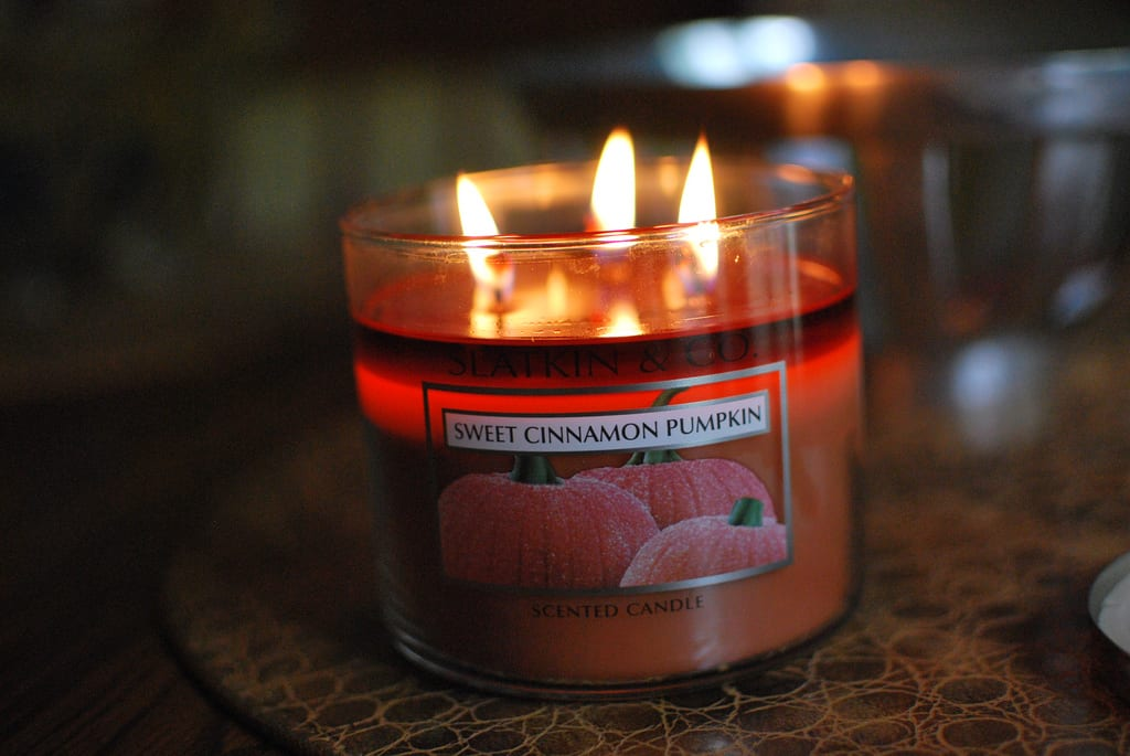 Make your house smell good-candles